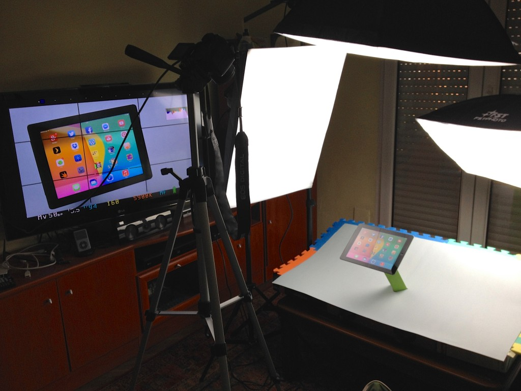Filming iPad Screen with Soft Boxes on my improvised Home Studio - DIY